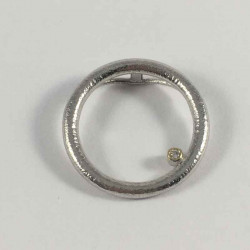 Angle - vedhæng i sølv med brillant - 52-2-47RH - P1